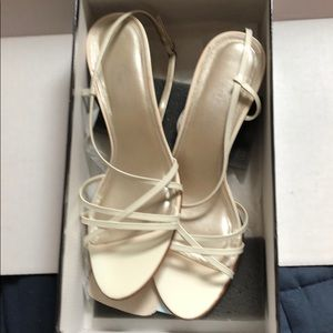 NWT Talbots Willette White Sandals, Size 8.5